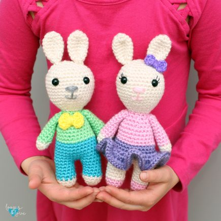 Free crochet bunny pattern girl and boy bunny