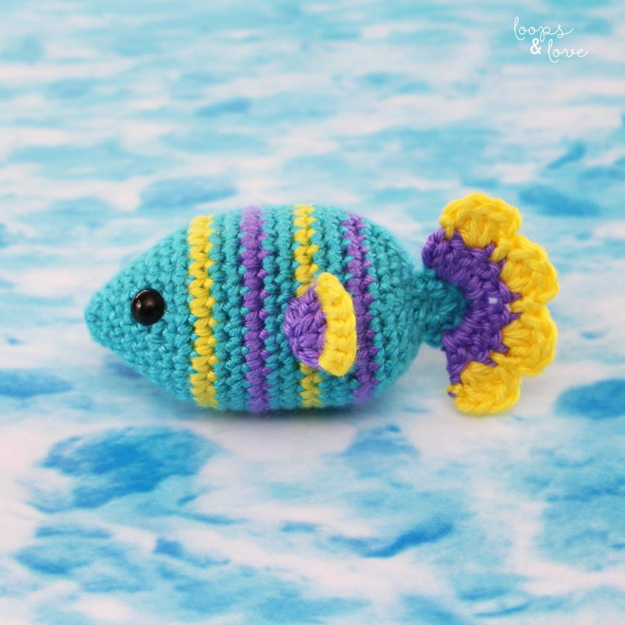 Fancy Crochet Goldfish Patterns {Video} | The WHOot | 900x900